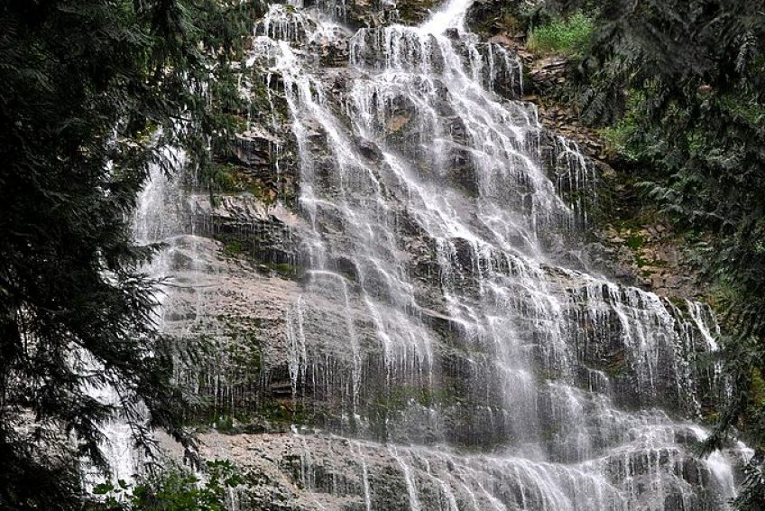 Bridal Falls | Credit: By The High Fin Sperm Whale CC BY-SA 3.0 Wikimedia