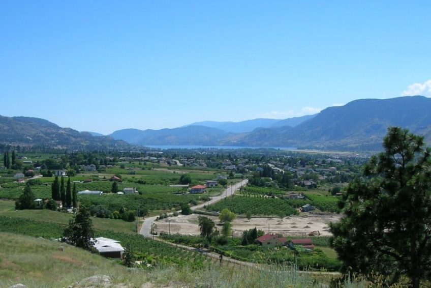 Overlooking Penticton from Munson Mountain | Credit Bulliver CC BY-SA 1.0 Wikimedia