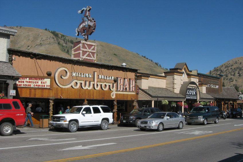 Million Dollar Cowboy Bar | Credit: Ken Lund CC BY-SA 2.0 Flickr