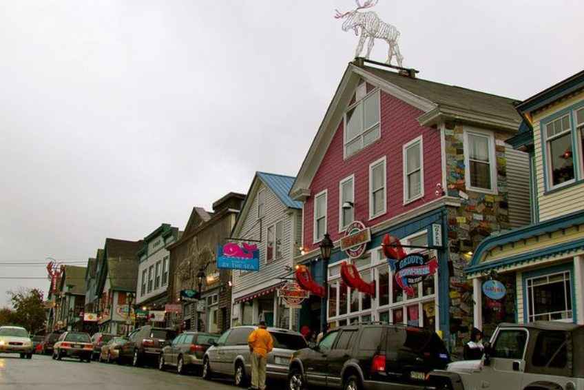 Bar Harbor Shops | Credit: Jeff Gun CC BY 2.0 Flickr